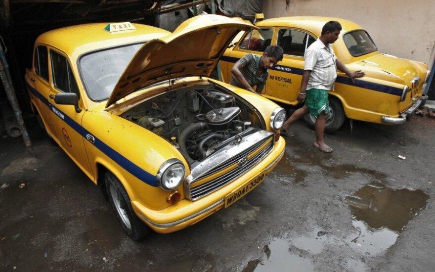 Ambassador automobiliai