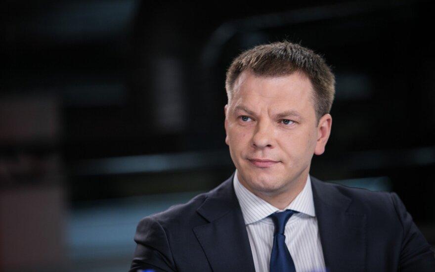 """Šapoka apie """"Swedbank"""" skandalą: situacija Lietuvoje nelygintina su Latvija ir Estija"""