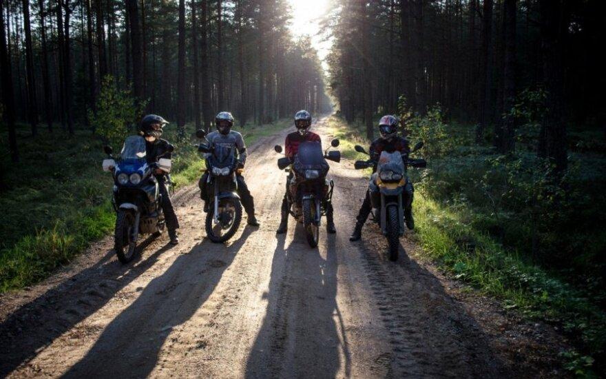 Lietuviai motociklininkai ryžosi neįmanomai misijai – motociklais pasiekti Vorkutą