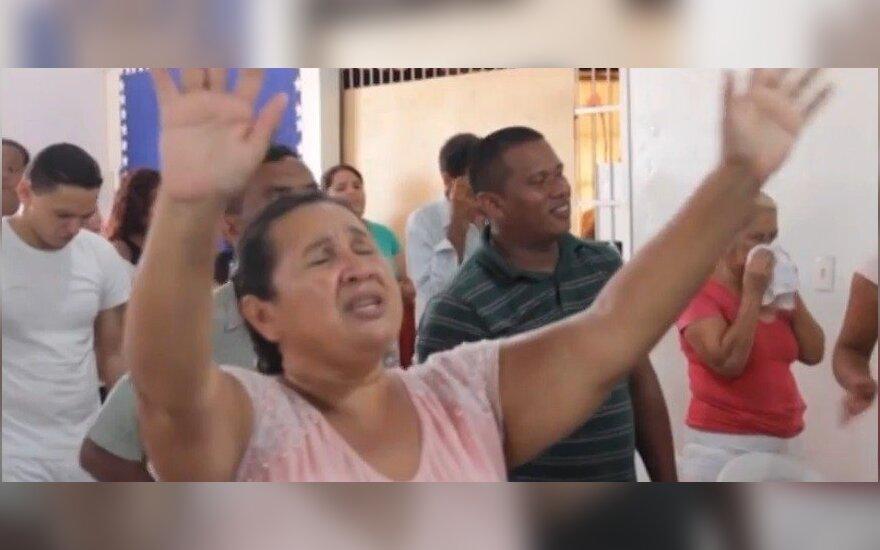 Lietuvio nuotykiai Amazonės džiunglėse: nufilmavo, kas vyksta Brazilijos lūšnynų bažnyčioje (III)