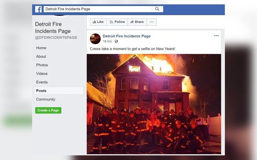 JAV: Detroito ugniagesiai gali būti nubausti už asmenukę degančio namo fone