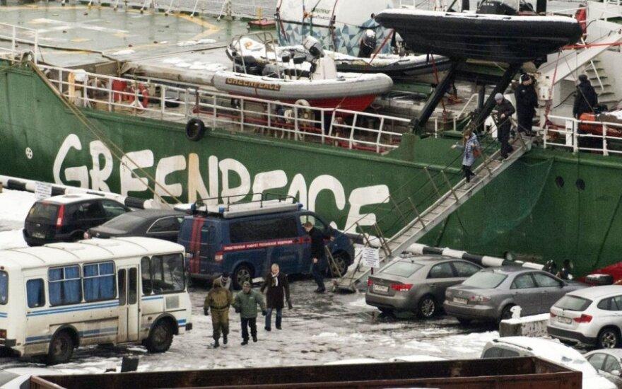"Rusija paleido ""Greenpeace"" laivą ""Arctic Sunrise"""