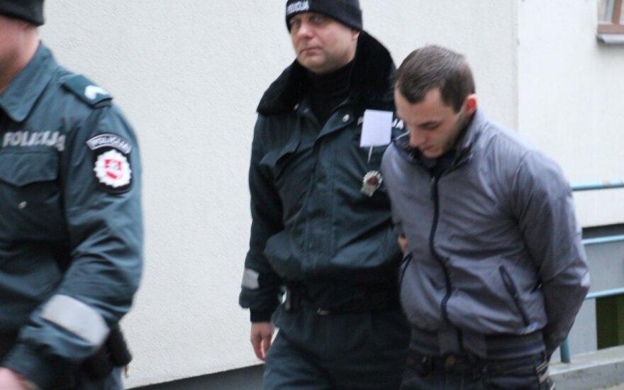 Studentės nužudymu įtariamam Valdui J. – naujienos ir iš teismo, ir iš mamos