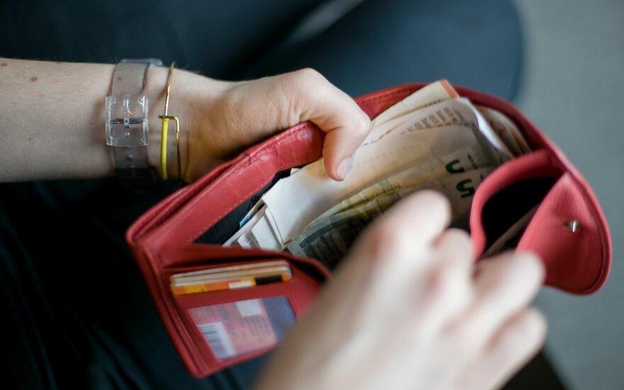 Nors verslininkai uždirba gerokai daugiau, atlyginimai gali taip sparčiai nedidėti