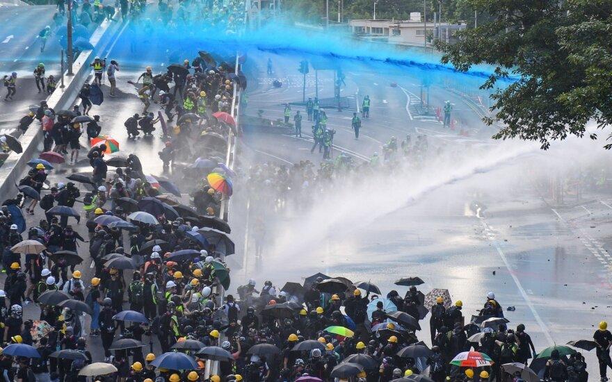 Honkongo protestuotojus vaiko policija