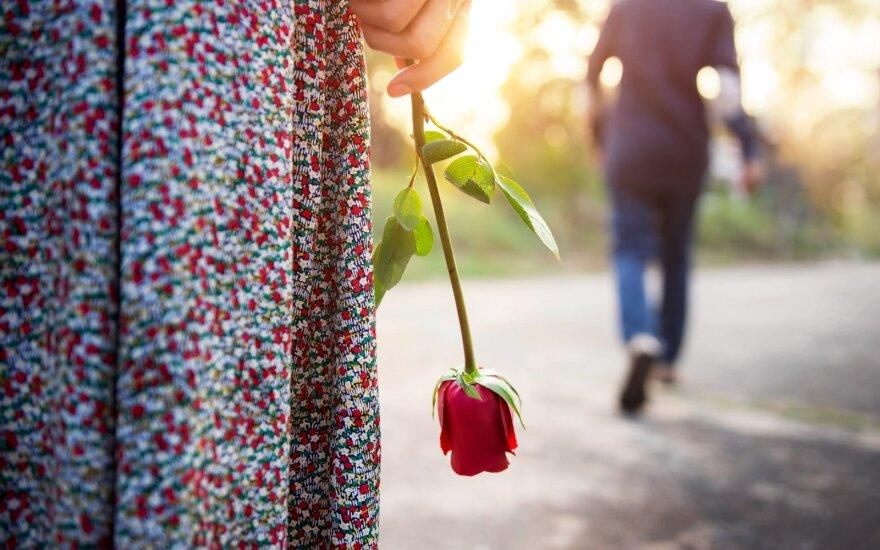 Pirmas vyras ir vėl pasirodė po skyrybų – nesitikėjo tokio santykių posūkio