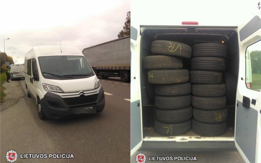 Marijampolės policija į areštinę uždarė vyriškį, kuris vairavo Vokietijoje vogta mikroautobusą