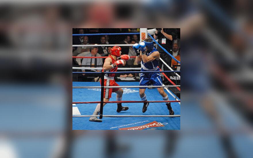 Daugirdas Šemiotas (mėlyna apranga)