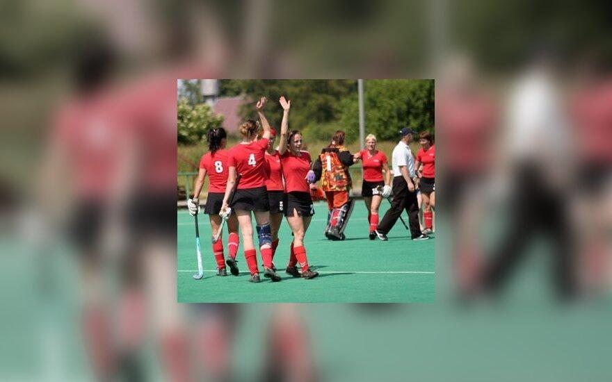 Vilniaus HFTC riedulininkės iškopė į tarptautinio moterų žolės riedulio turnyro Austrijoje finalą