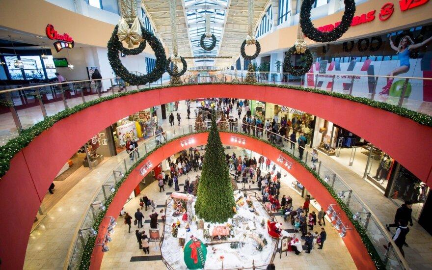 Ekonomistas: išlaidaujant Kalėdoms nereikėtų pamiršti, kad kitąmet tokios geros nuotaikos nebus