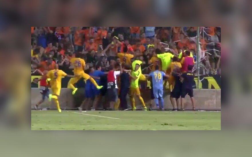 """Geriau nei """"Man United"""": UEFA Čempionų lygos atrankoje – net trys APOEL įvarčiai per pridėtą laiką"""