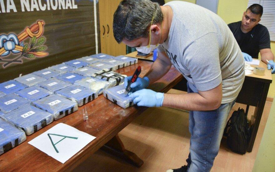 В Аргентине сожгли найденный в российском посольстве кокаин