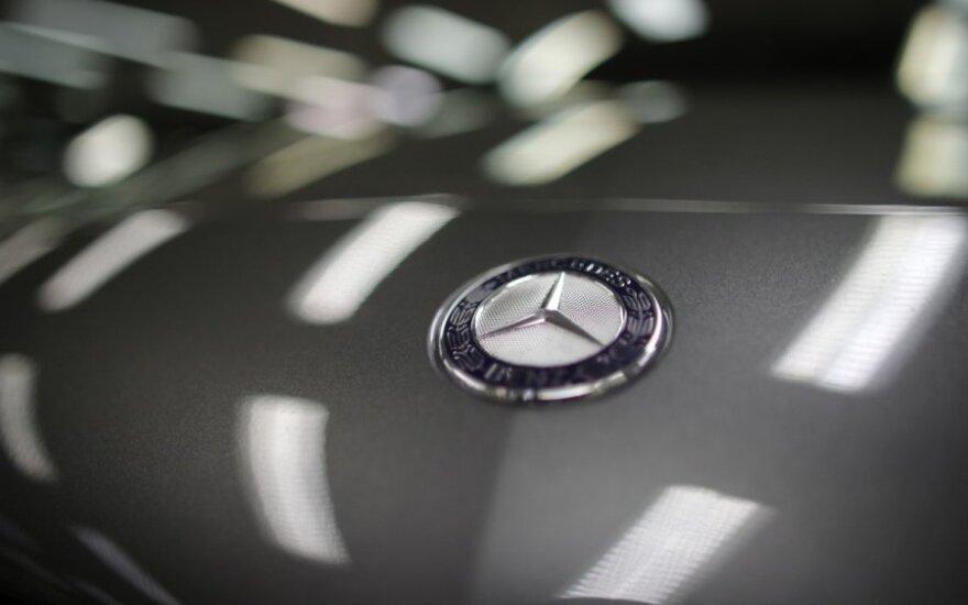 """Vokiečiai nesureikšmina naujų """"Mercedes"""" keliamo pavojaus"""