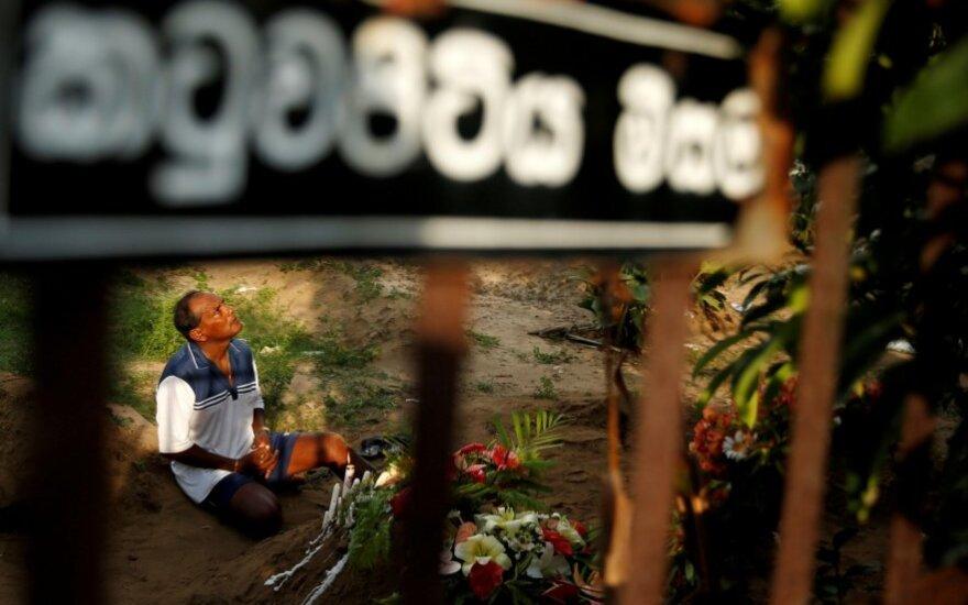 Šri Lanka laidoja žuvusius per išpuolius Šv. Velykų rytą