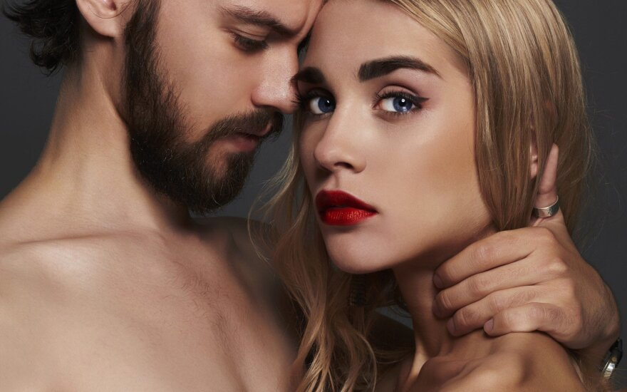 Vyras nesupranta moterų: kodėl apsimetate, kad jums nepatinka vienos nakties nuotykiai?