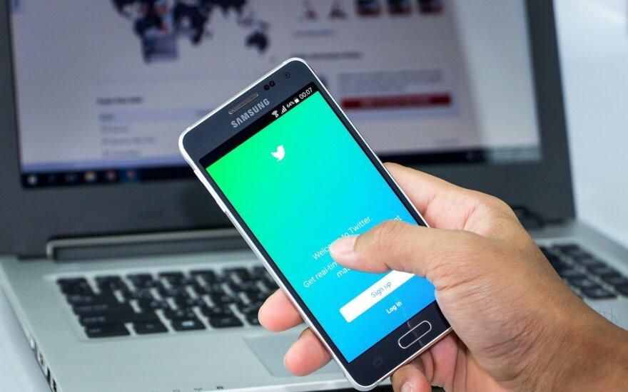 """""""Twitter"""" ketvirtiniai nuostoliai nusmukdė socialinio tinklo akcijas"""