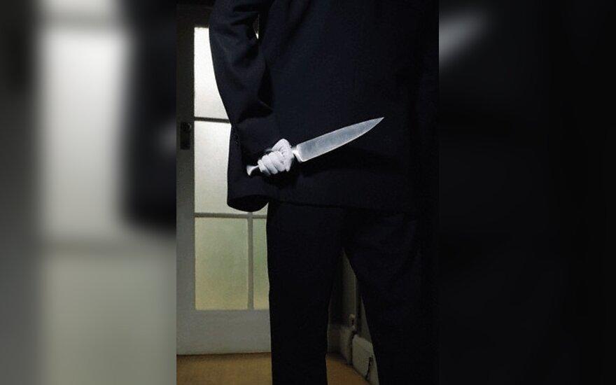 Lenkijoje jaunuolis bažnyčioje peiliu sužalojo tris moteris ir persipjovė sau gerklę
