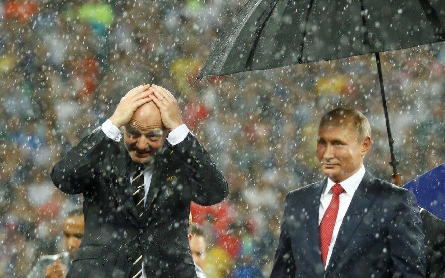 Putinas žada bevizį įvažiavimą į Rusiją ir po čempionato