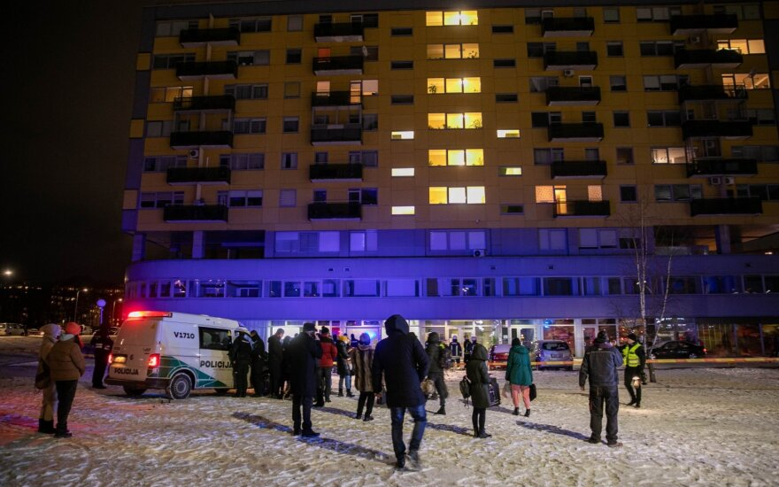 Vilnius apartment building's evacuation cancelled after experts find it safe