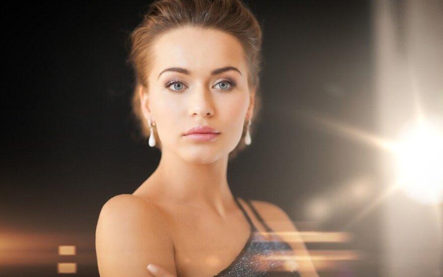 Graži moteris ne tik savo išore, bet ir vidinių savybių visuma.
