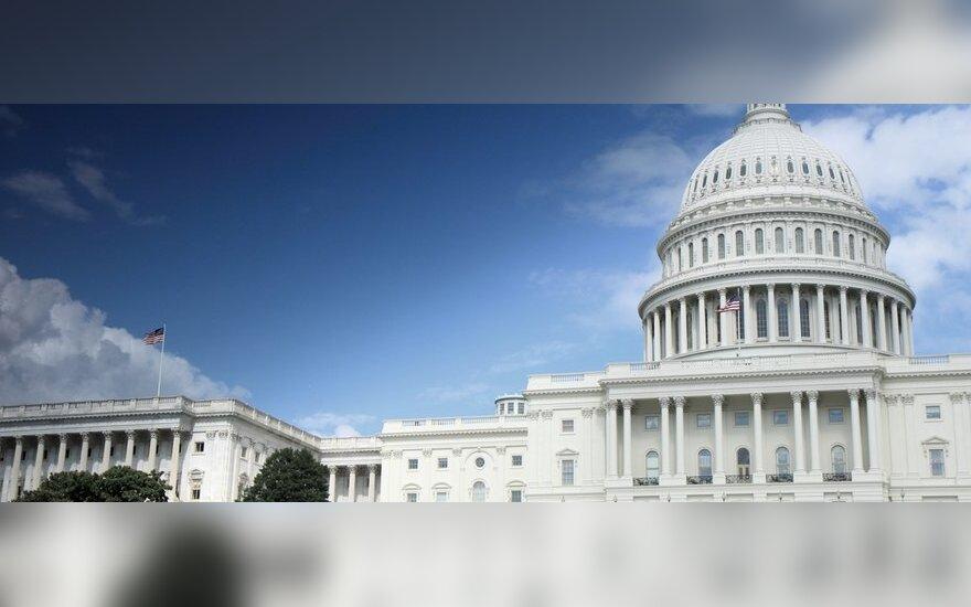 """Vašingtonas atmeta Turkijos kaltinimus, esą JAV remia """"Islamo valstybę"""""""