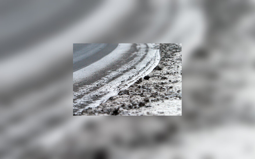 Gatvė, sniegas, purvas