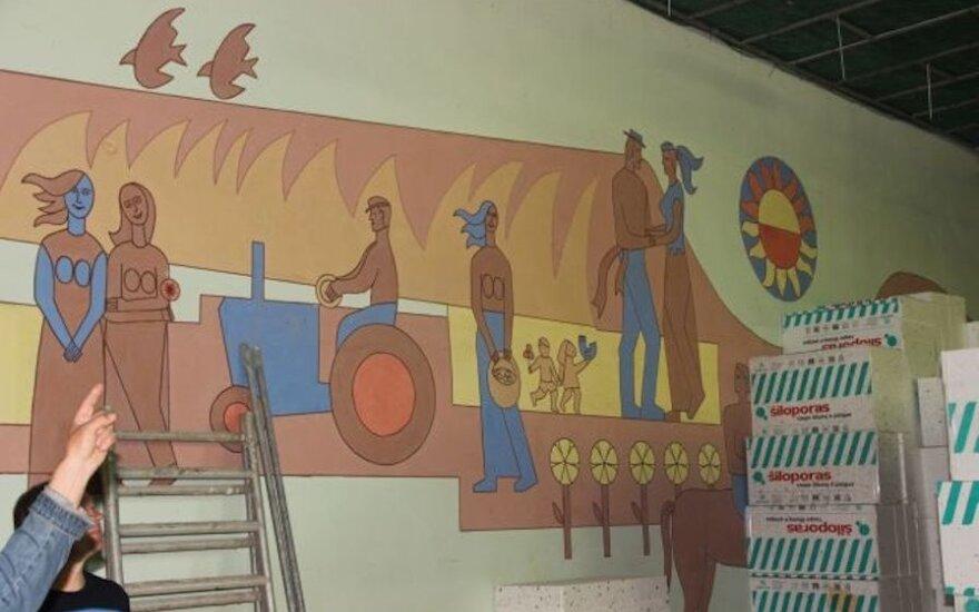 Krakių kultūros centre nebeliks sovietmetį menančios freskos