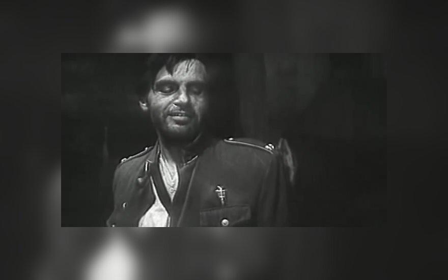 """Filmo """"Niekas nenorėjo mirti"""" stopkadrai"""