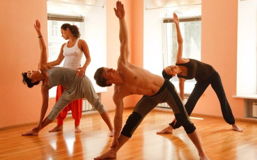 Joga suteikia lankstumo ir pasitikėjimo savimi
