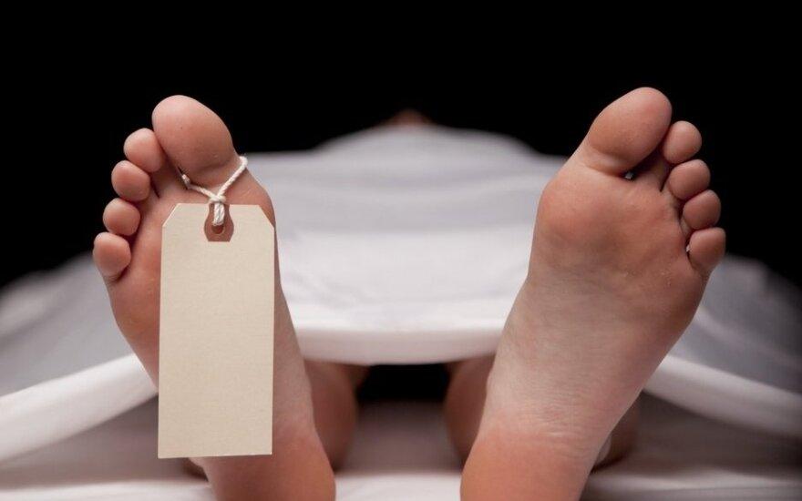 """Kaip siaubo filme: mirusia laikyta moteris """"atgijo"""" morgo šaldytuve"""