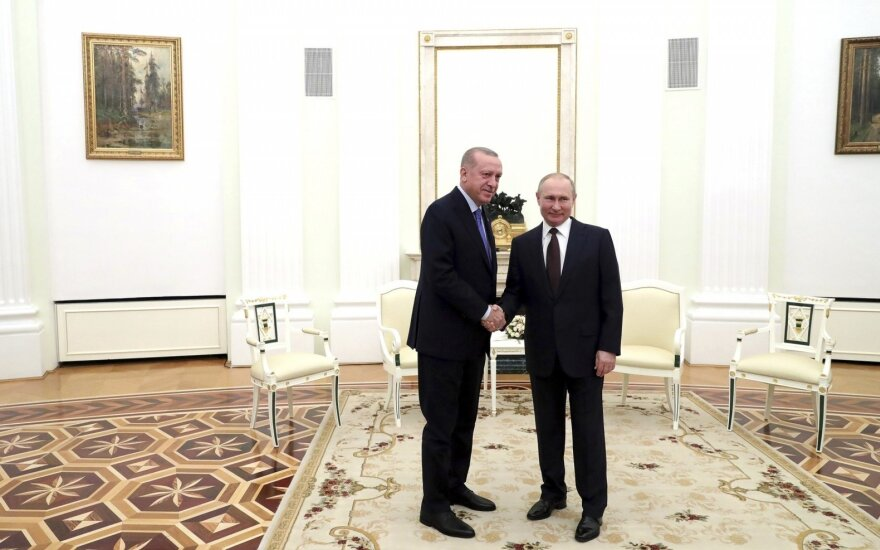 Po 6 valandas trukusių derybų – Putino ir Erdogano susitarimas dėl paliaubų Sirijoje