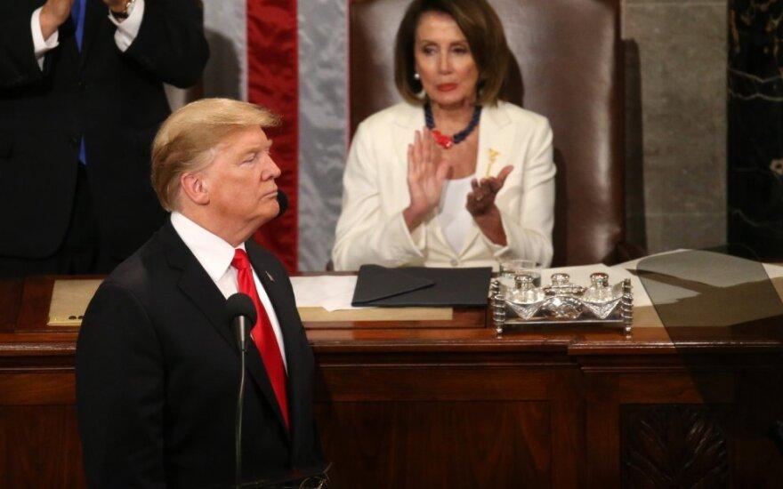 Donaldas Trumpas sako metinę kalbą JAV Kongreso rūmuose