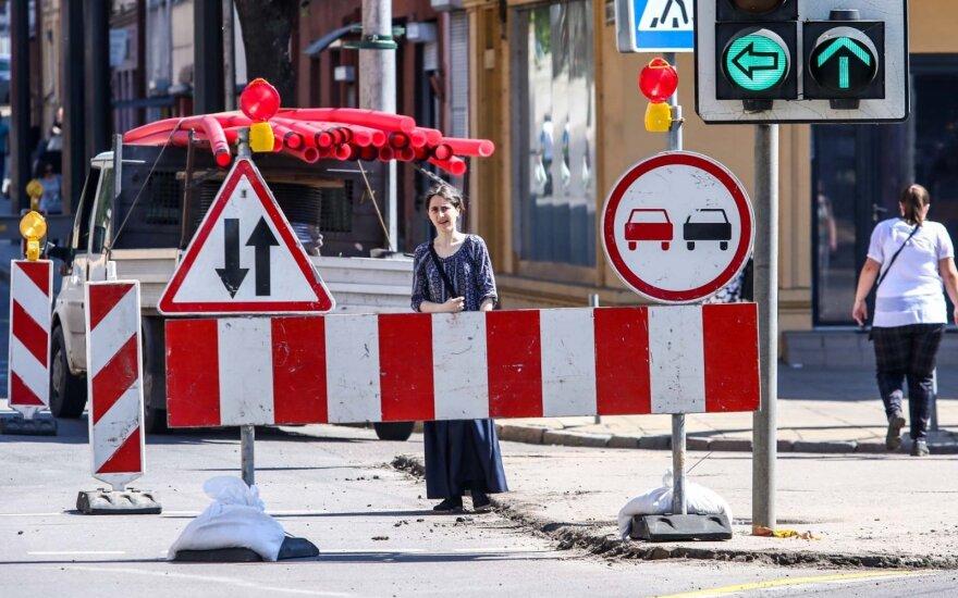Remonto darbai Savanorių prospekto, Šv. Gertrūdos ir E. Ožeškienės gatvių sankryžoje
