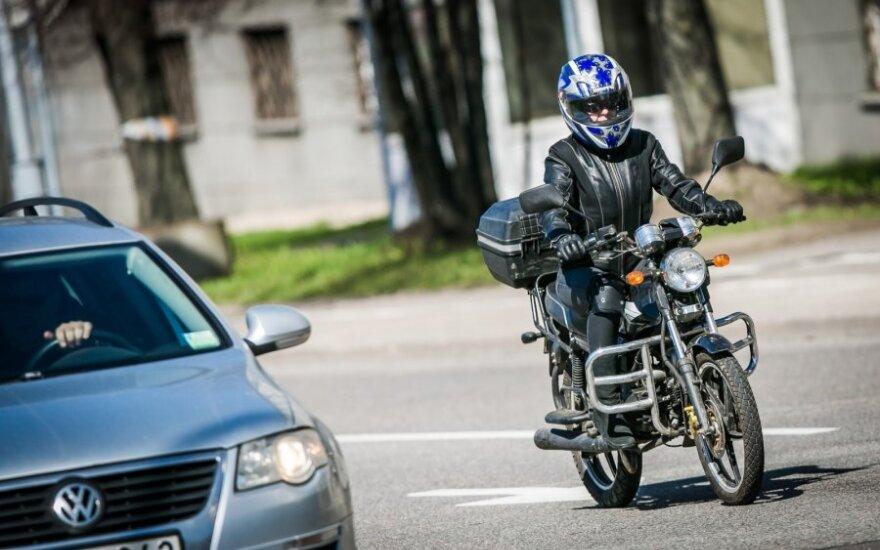 """Motociklininkai prašo tobulinti KET – nori važiuoti """"A"""" eismo juosta"""