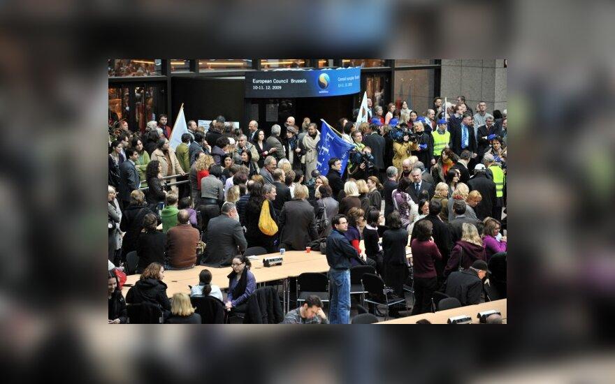 ES Tarybos darbuotojai streikuoja dėl nekeliamų atlyginimų