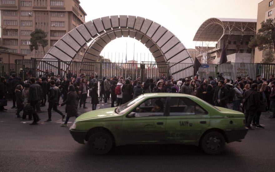 Po britų ambasadoriaus sulaikymo Irane ES ragina deeskaluoti padėtį