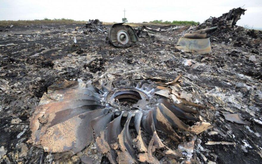 """Maskva Ukrainai meta naujus kaltinimus dėl """"Boeing"""" numušimo"""