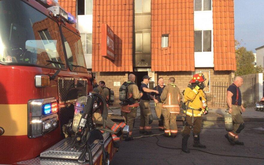 Las Vegase per gaisrą daugiabutyje žuvo 6 ir buvo sužeista dar 13 žmonių