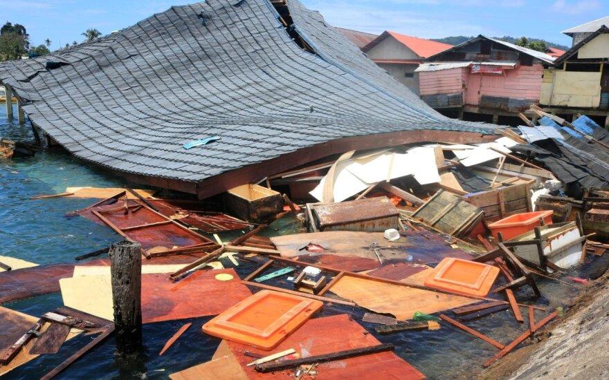 Indoneziją sukrėtus galingam žemės drebėjimui žuvo mažiausiai 20 žmonių