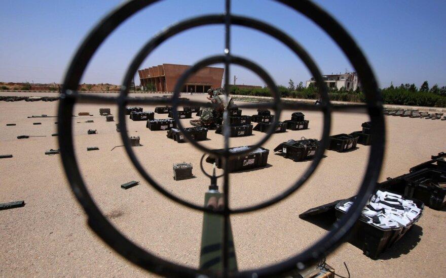 Šalia Rusijos karinės bazės Sirijoje numušti penki dronai