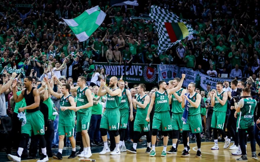 BC Žalgiris celebrates playoff victory