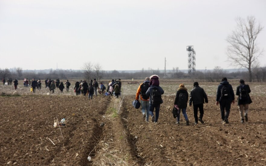 ES diplomatai dėl migrantų krizės vyksta į Turkiją ir Graikiją