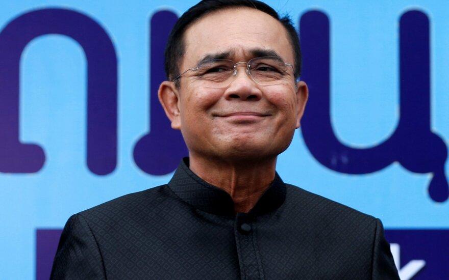 Tailando parlamentas premjeru išrinko chuntos lyderį Prayuthą Chan-o-chą