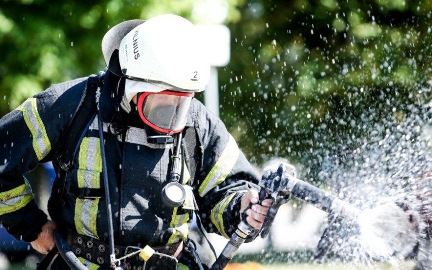 Vos kelios akimirkos iki tragedijos: Tauragėje ugniagesių pagalbos šaukėsi moteris ir trys vaikai