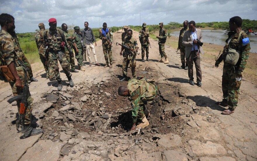 Aštuoni Kenijos policininkai žuvo užvažiavę ant minos