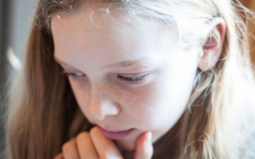 Ėjo į choro repeticiją, bet buvo užpulta ir išniekinta: sukrečianti 13-metės patirtis
