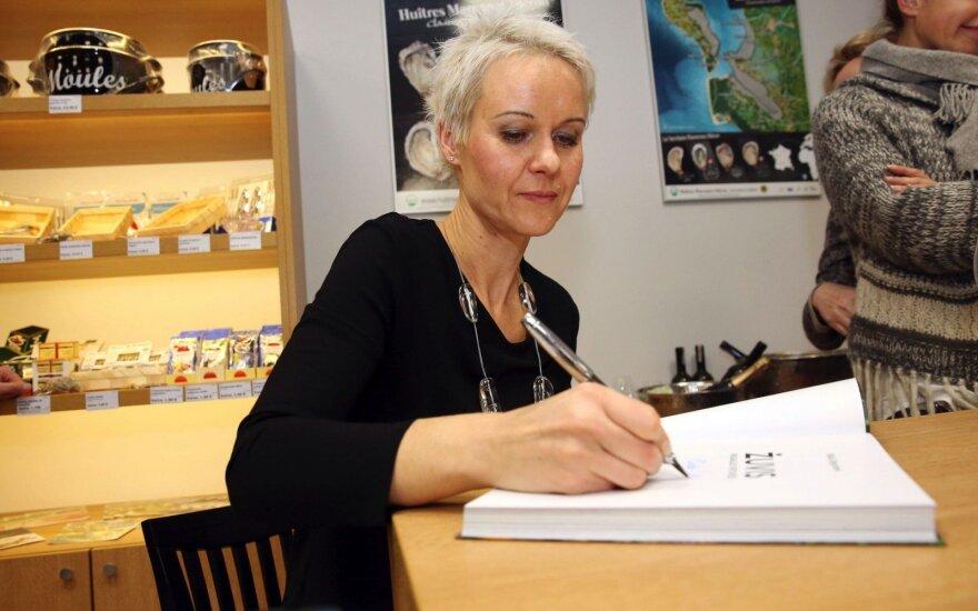 N. Degutienės knygos pristatyme svečiai ragavo 55 kilogramų tuną iš Indijos vandenyno