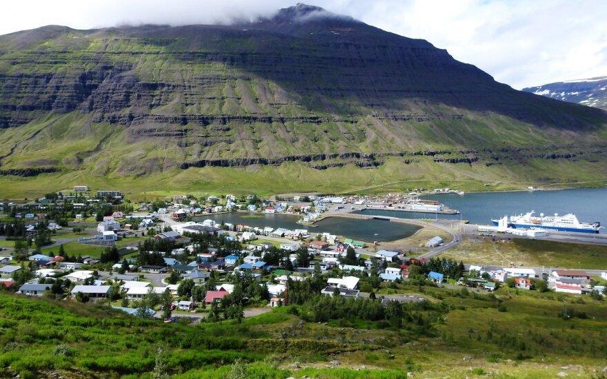 Į Islandiją ir atgal