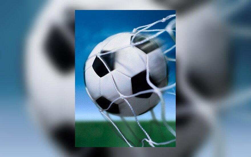 Baudos futbolo aistruolių darbdaviams