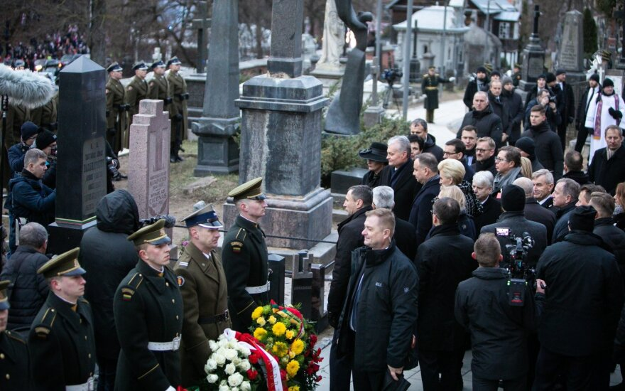Prezidento patarėja apie sukilėlių laidojimo ceremoniją: Rusijos dalyvavimui turėtų subręsti sąlygos